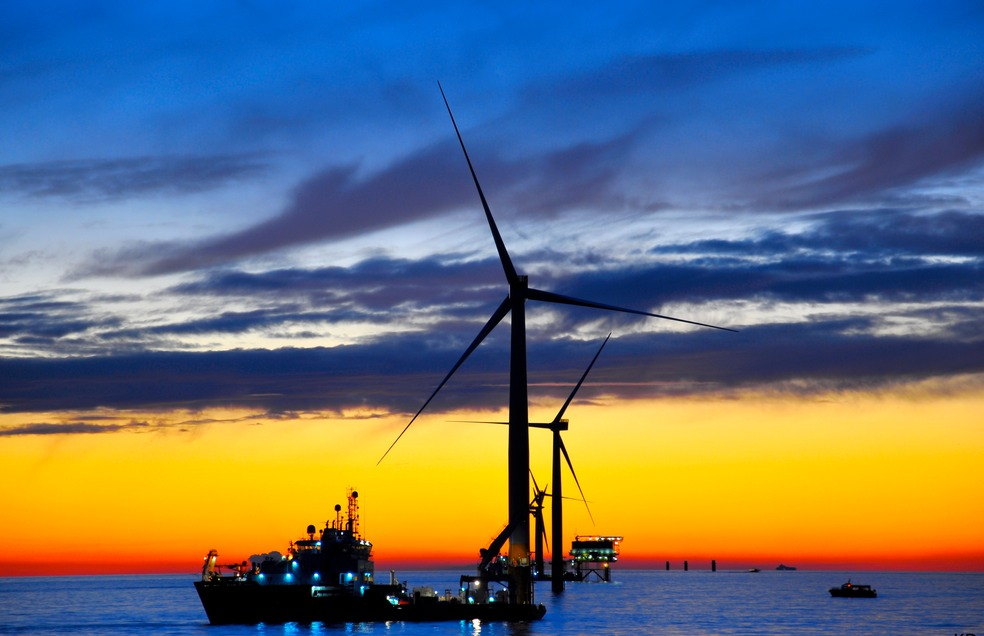 Windturbine at Sea Dusk|Health and Safety North Wales|www.spsafteysewrvices